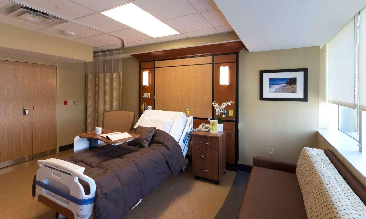 07-068B LGMC-Patient-Room MG 1639