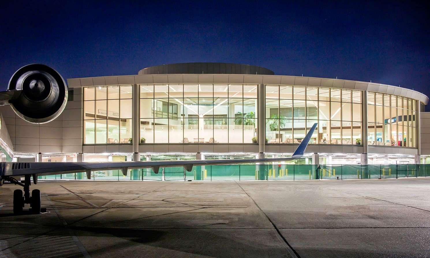 Exterior image of the Baton Rouge Metropolitan Airport Terminal Expansion from the runway apron