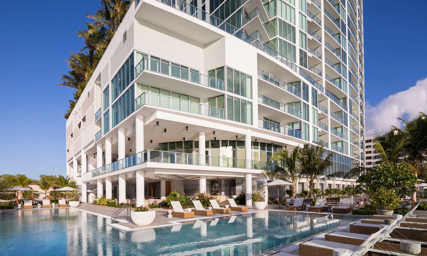 Biscayne-Beach-Poolside